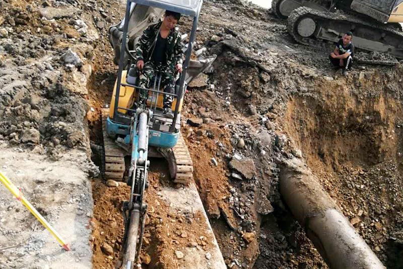 营口青花大街1.5米下水施工中