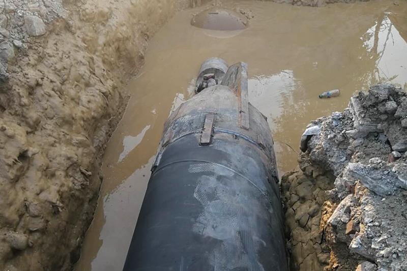 大石桥污水820钢管回托中